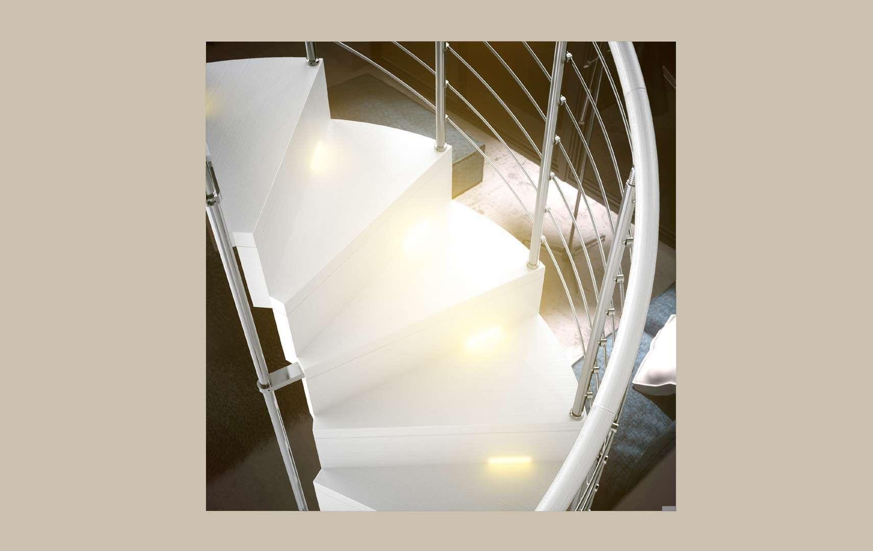 Pura ampia scelta di scale a chiocciola e scale - Led per scale ...