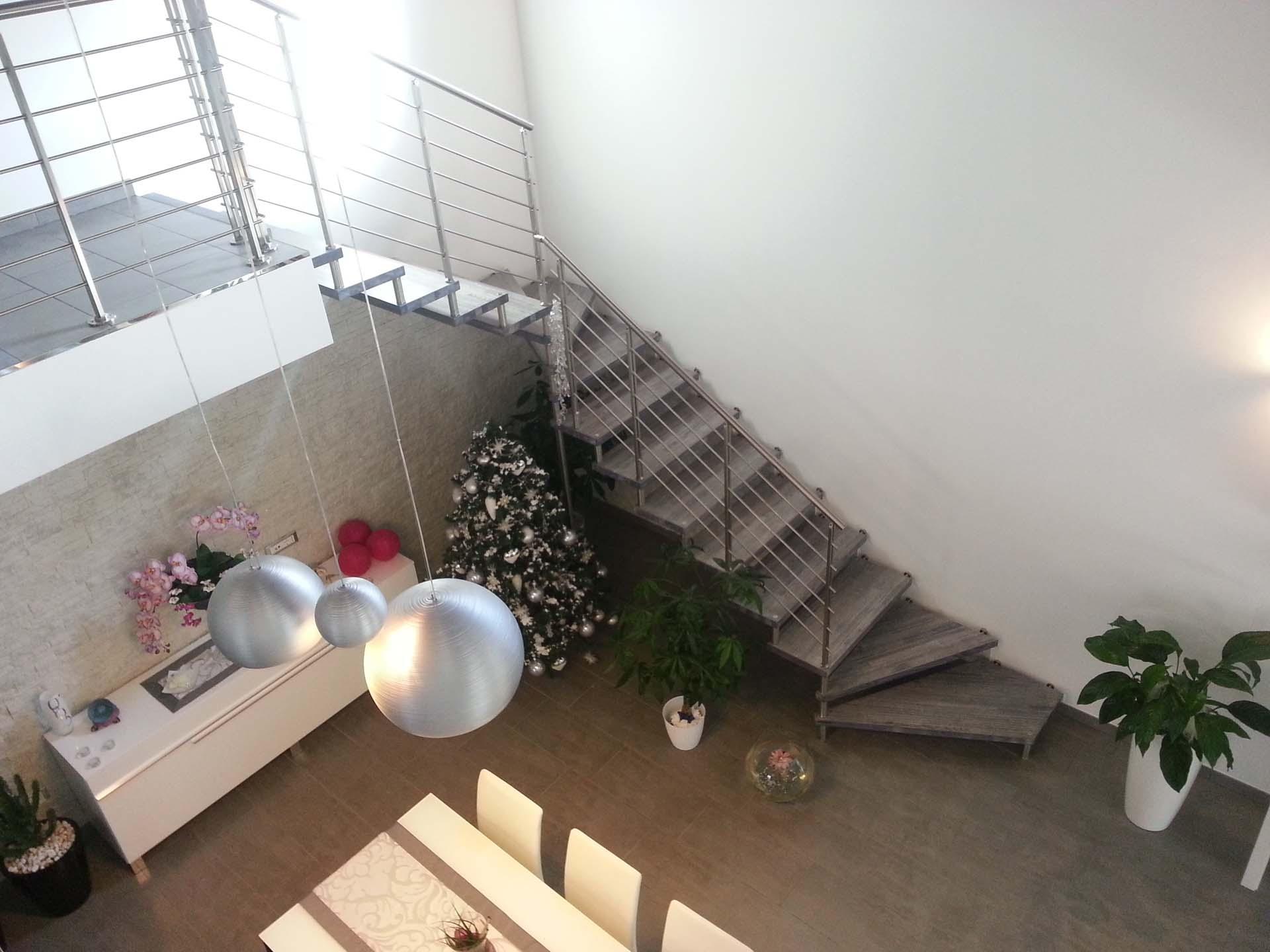 mobirolo escalera volada akura inox