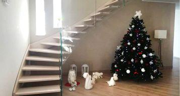 Scale per interni in legno: l'arredo migliore per una casa accogliente