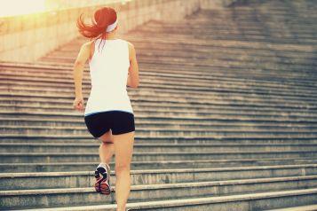 Esercizi sulle scale senza andare in palestra